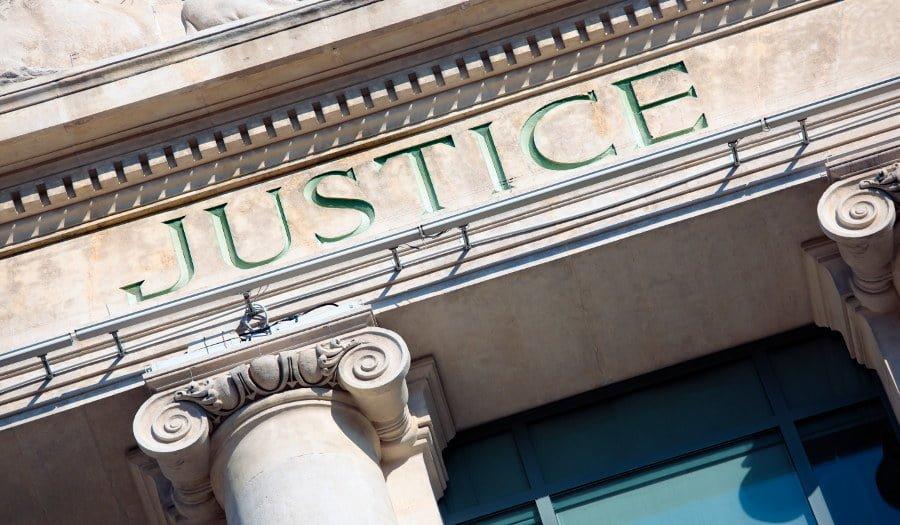 Jak są prawa banku w sporze z kredytobiorcą. Co może bank?