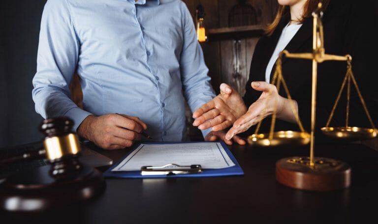 umorzenie długu w sądzie